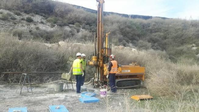 Estudio de Estabilidad, Instalación de piezómetros de control y Análisis del Lixiviado para Sellado del Vertedero de Inertes de Berja (Almería)